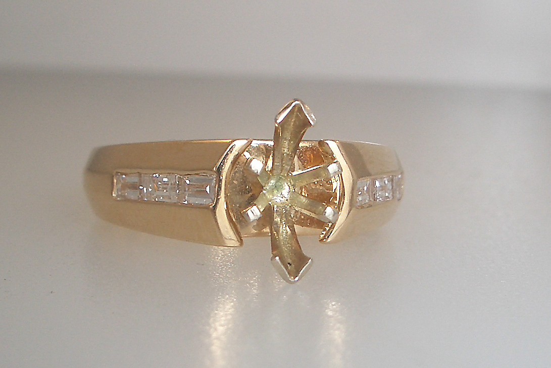 14k Yellow Gold Marquise Mounting