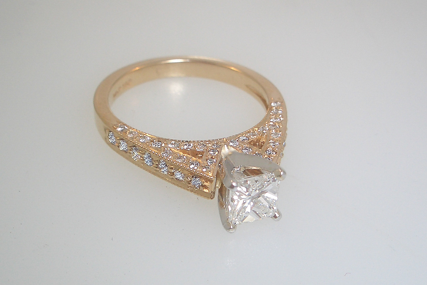 14k Yellow Gold Diamond Cathedral Mounting