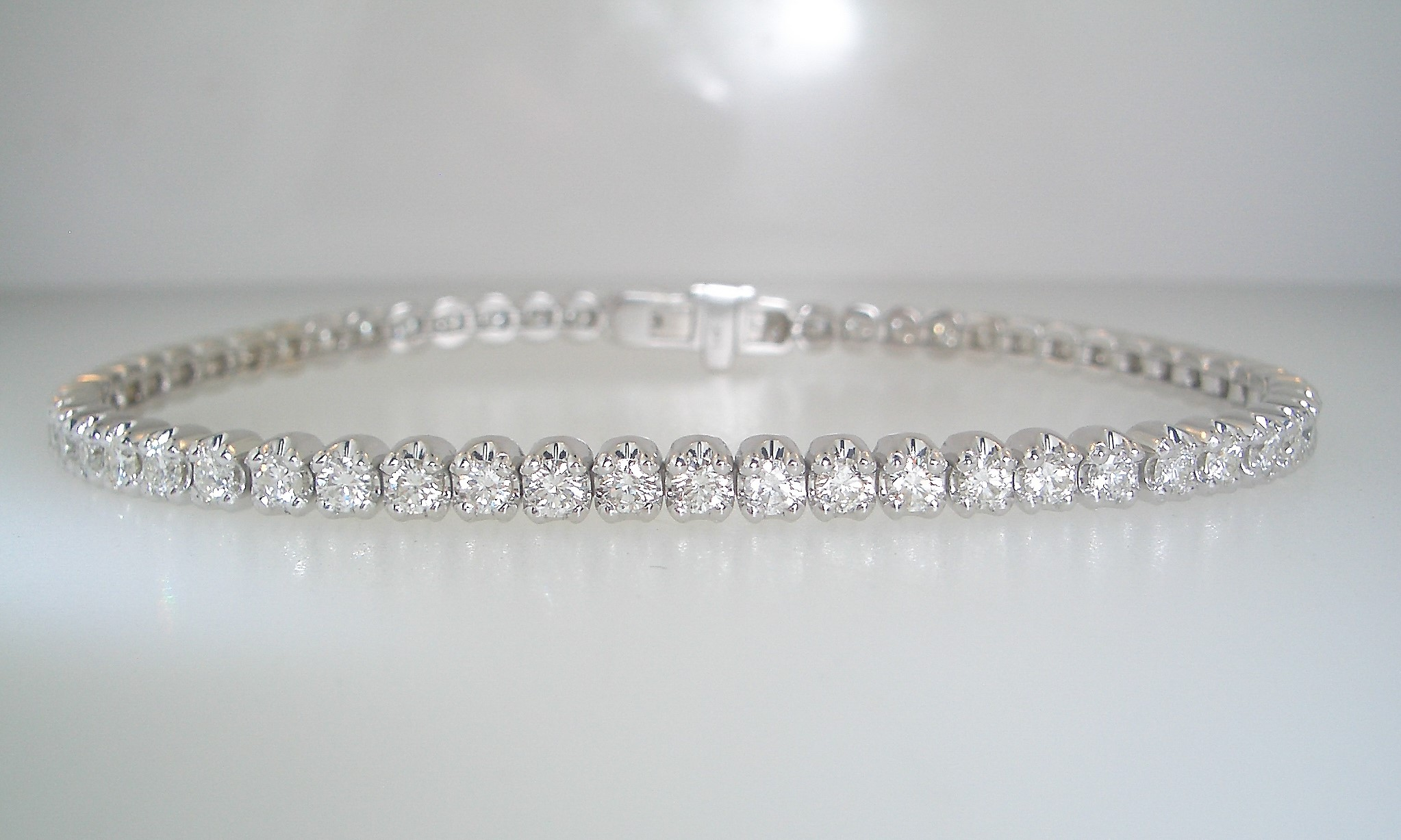 14k White Gold and Diamond Tennis Bracelet