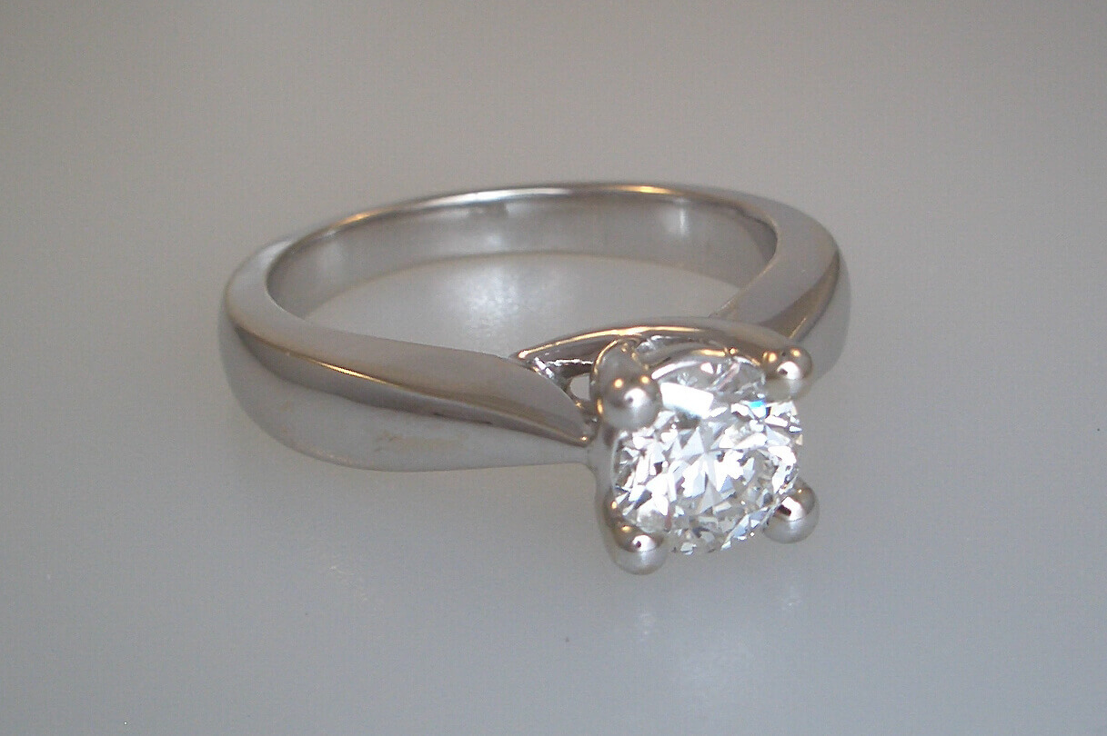 14k White Gold Solitaire Style Engagement Ring