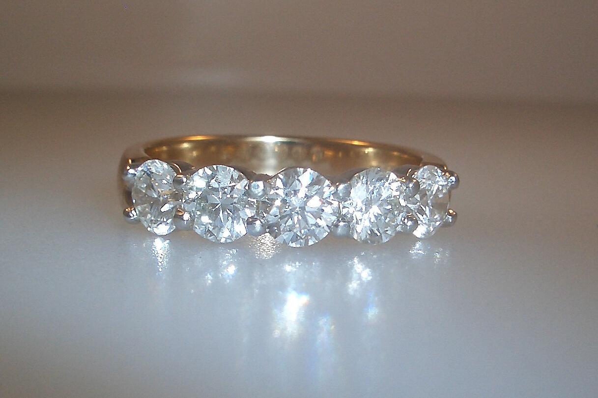 14k Two-Tone Diamond Wedding Band